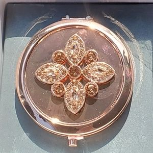 Nwt Liz Claiborne Flower Crystal Compact Mirror